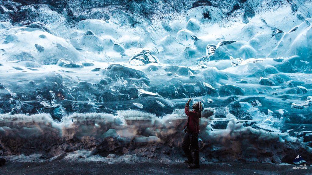 Vatnajokull glacier ice cave Iceland