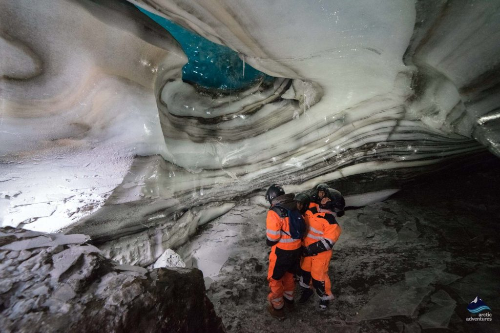 langjokull's glacier new natural ice cave