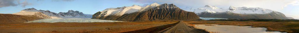 Road_to_Oraefajokull_glacier