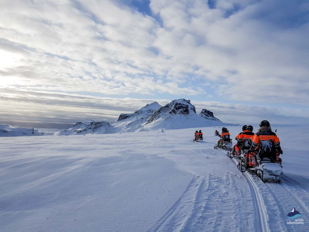 langjokull glacier snowmobiling