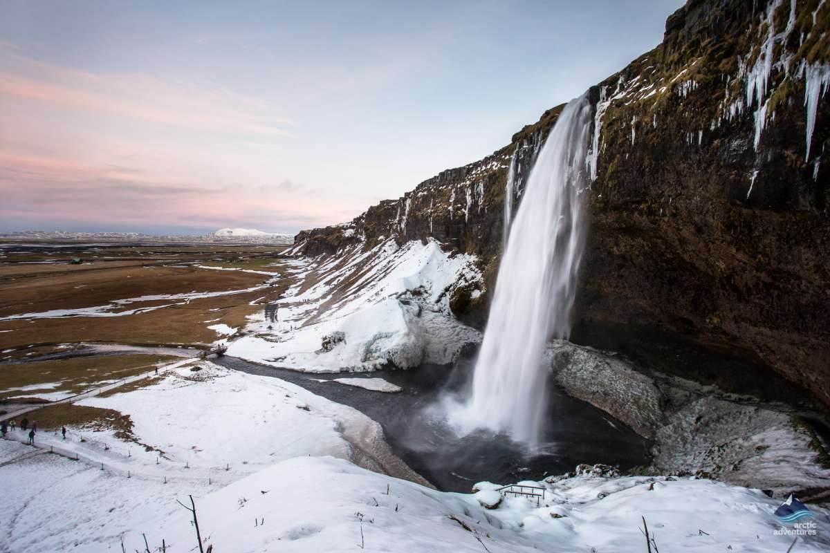 Seljalandsfoss-winter (1)
