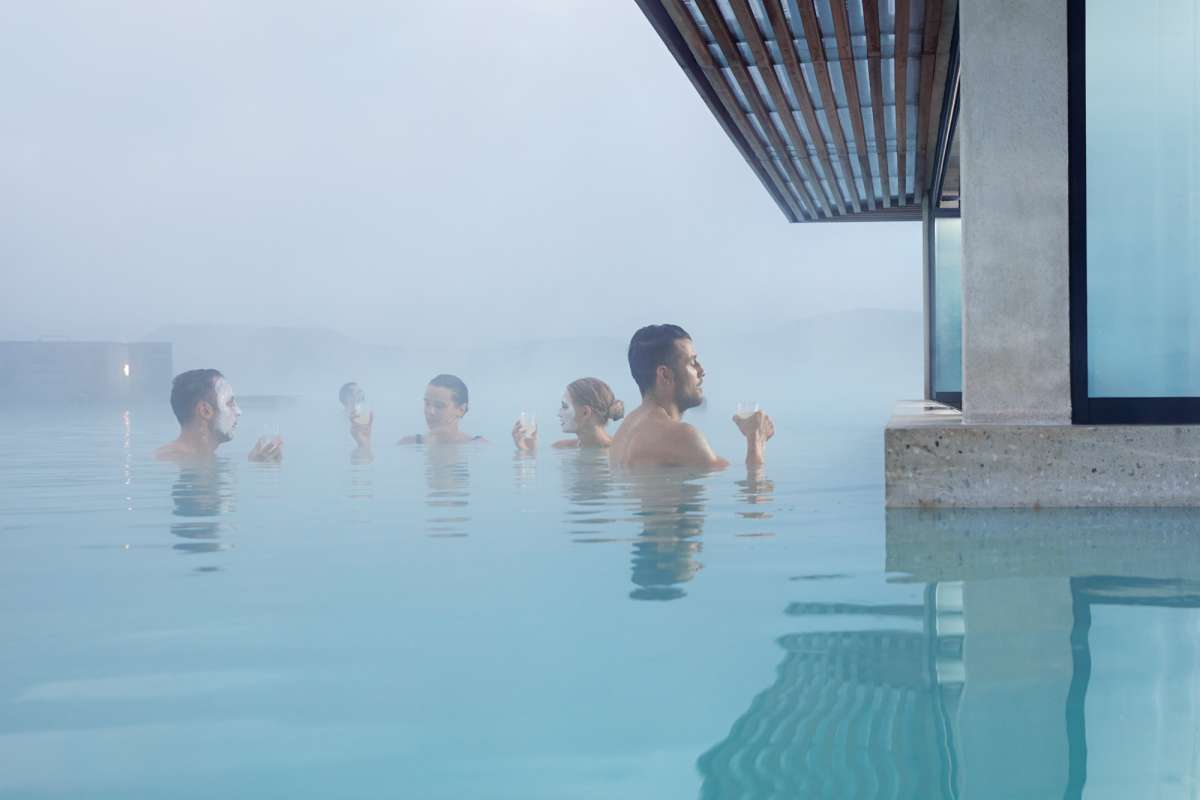 Blue lagoon spa iceland arctic adventures for Where is the blue lagoon located in iceland