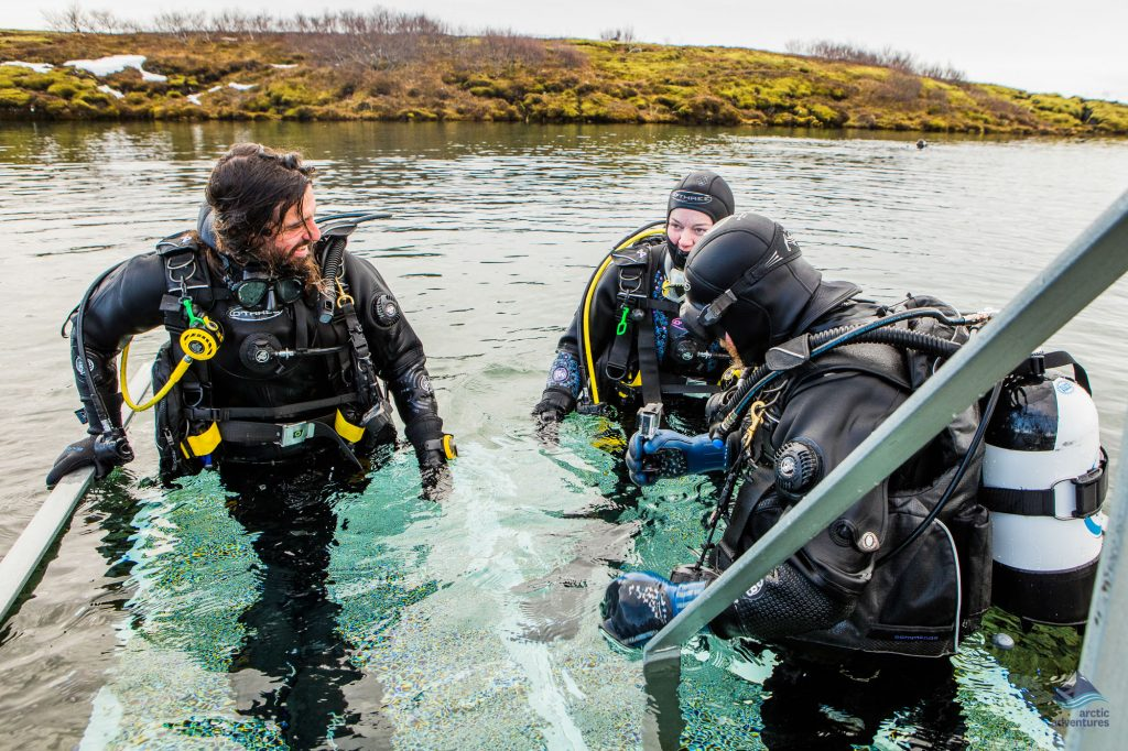 Diving-Silfra-Thingvellir-Iceland