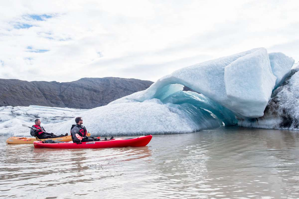 Kayaking-Heinaberslon-Glacier-Lagoon-Iceland