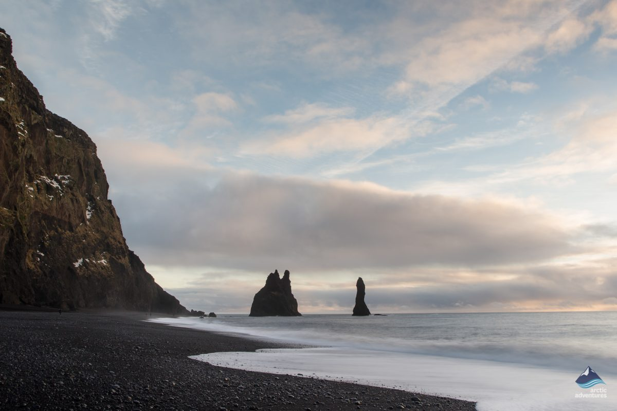 reynisfjara black sand beach iceland arctic adventures. Black Bedroom Furniture Sets. Home Design Ideas