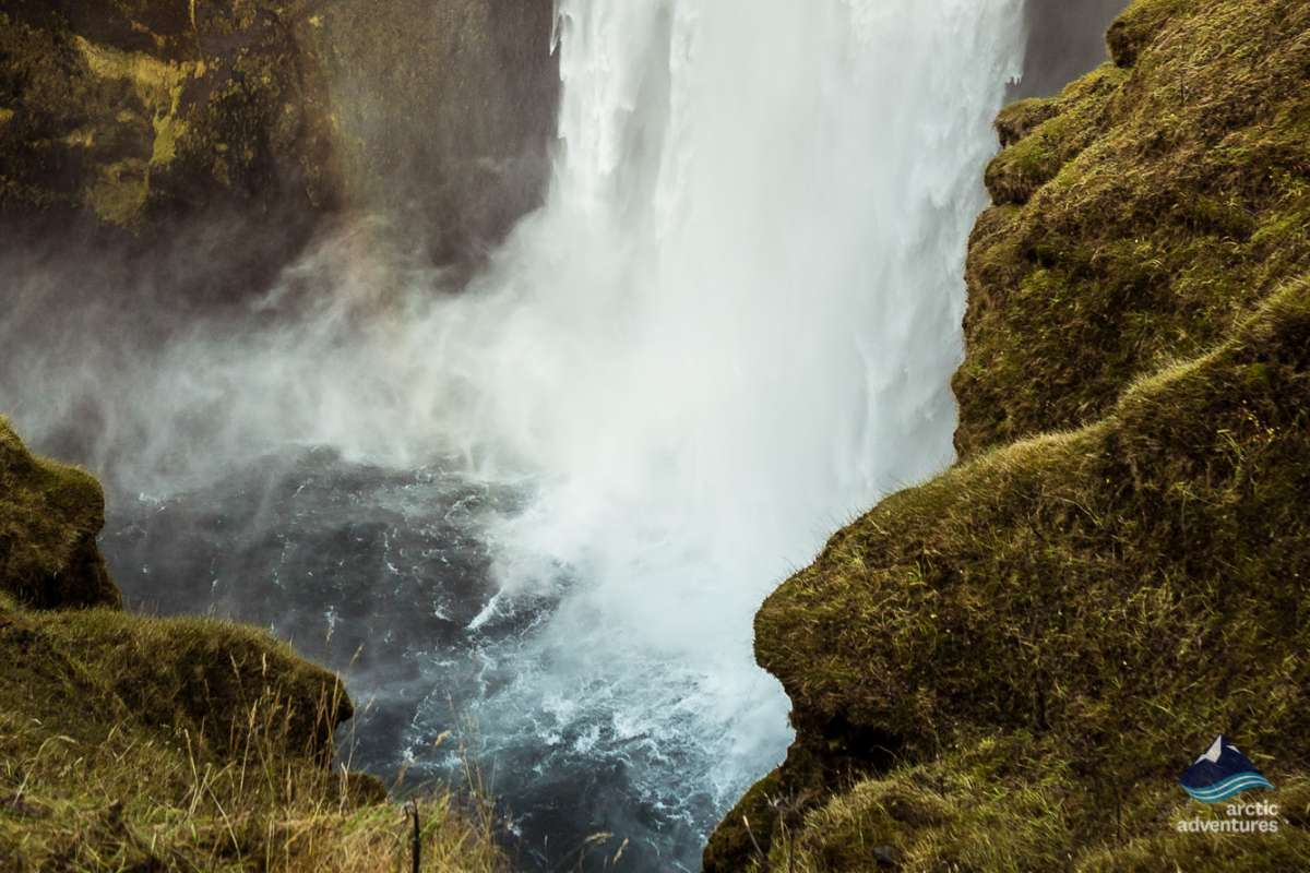 Waterfall-South-Coast-tour-Iceland