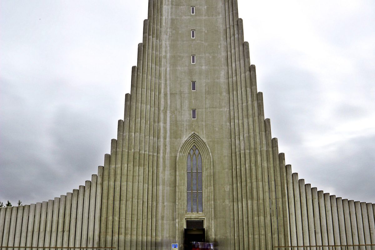 Hallgrimskirkja-church-Reykjavik-Iceland