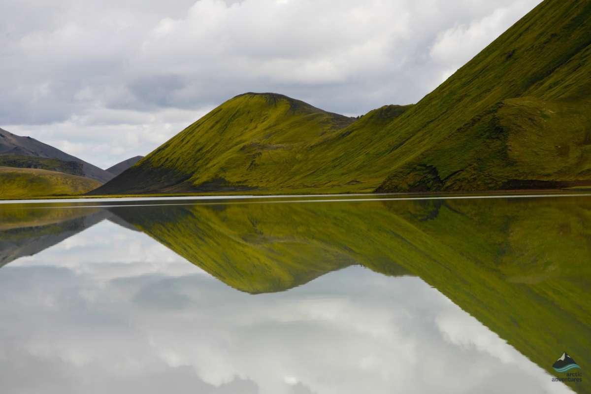 hiking-Iceland-lake-views