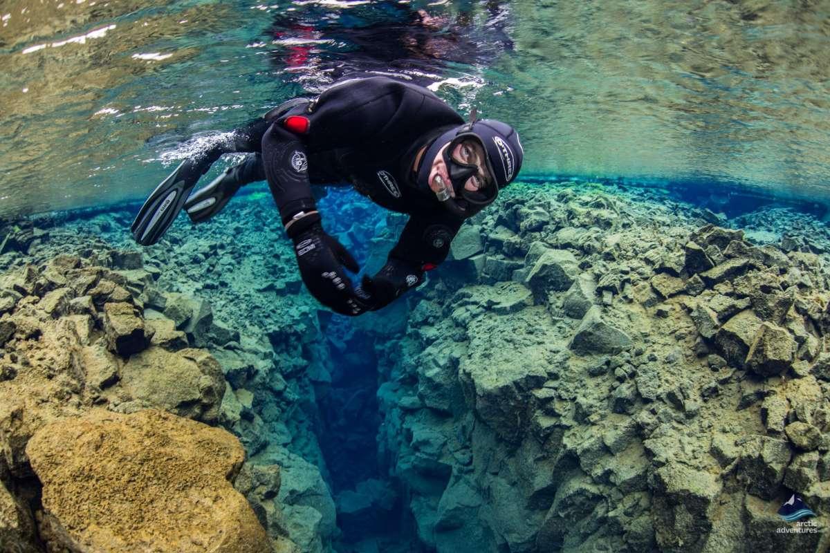 Snorkeling-Silfra-Fissure-Thingvellir-Iceland-5