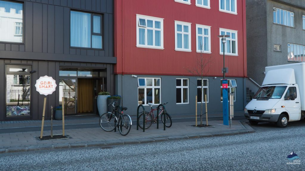 bus-stop-pick-up-point-Reykjavik