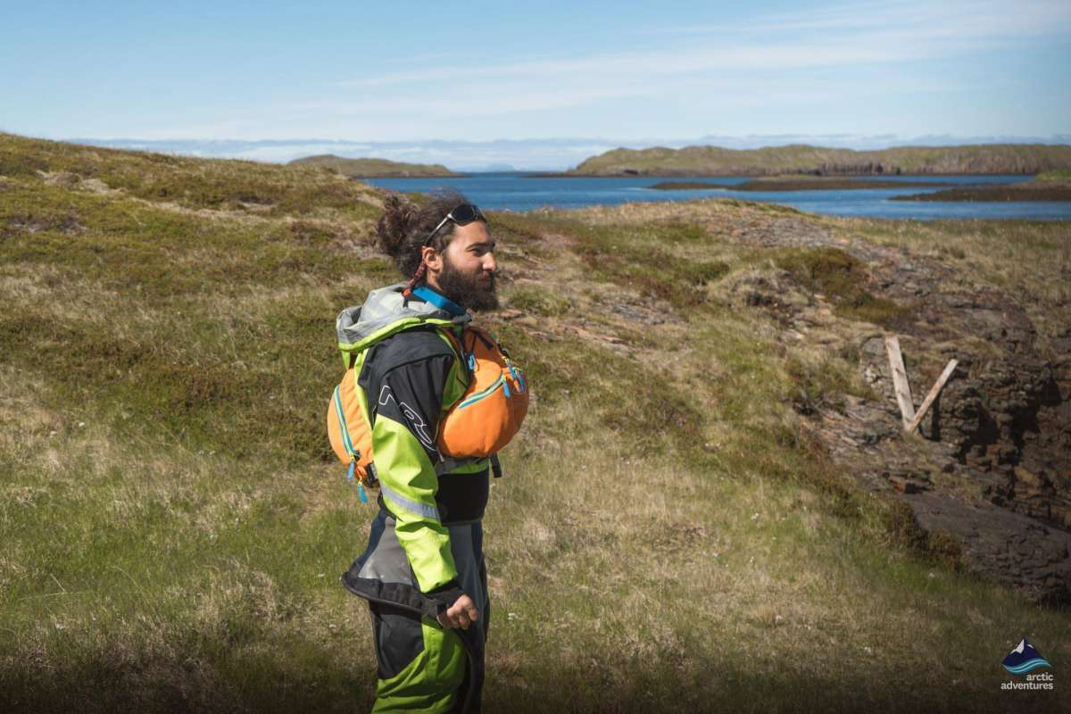 Kayaking guide in Iceland