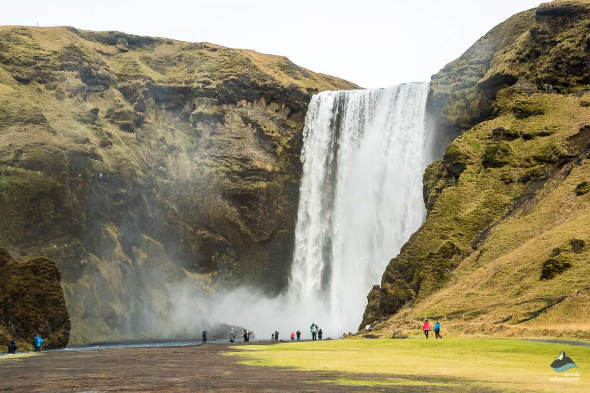 Skogafoss-Waterfall-South-Coast-Iceland