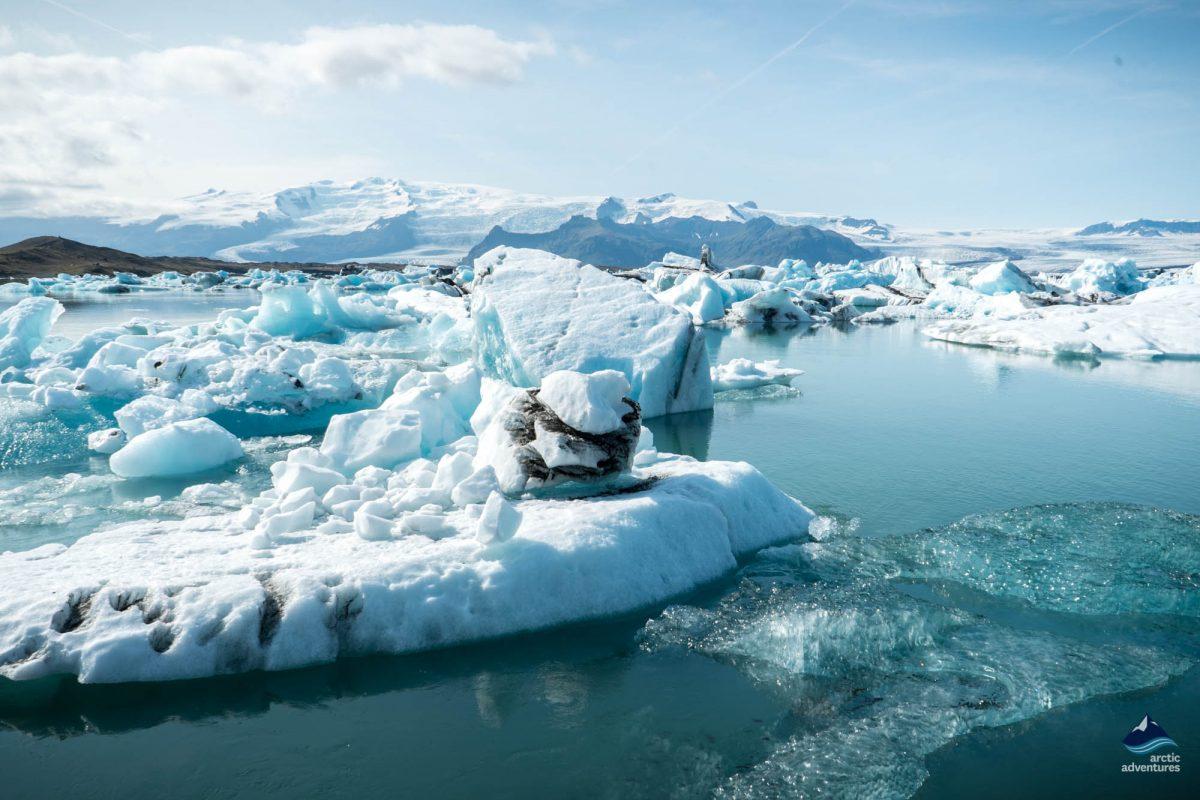 Ice berg in Jokulsarlon glacier lagoon Iceland