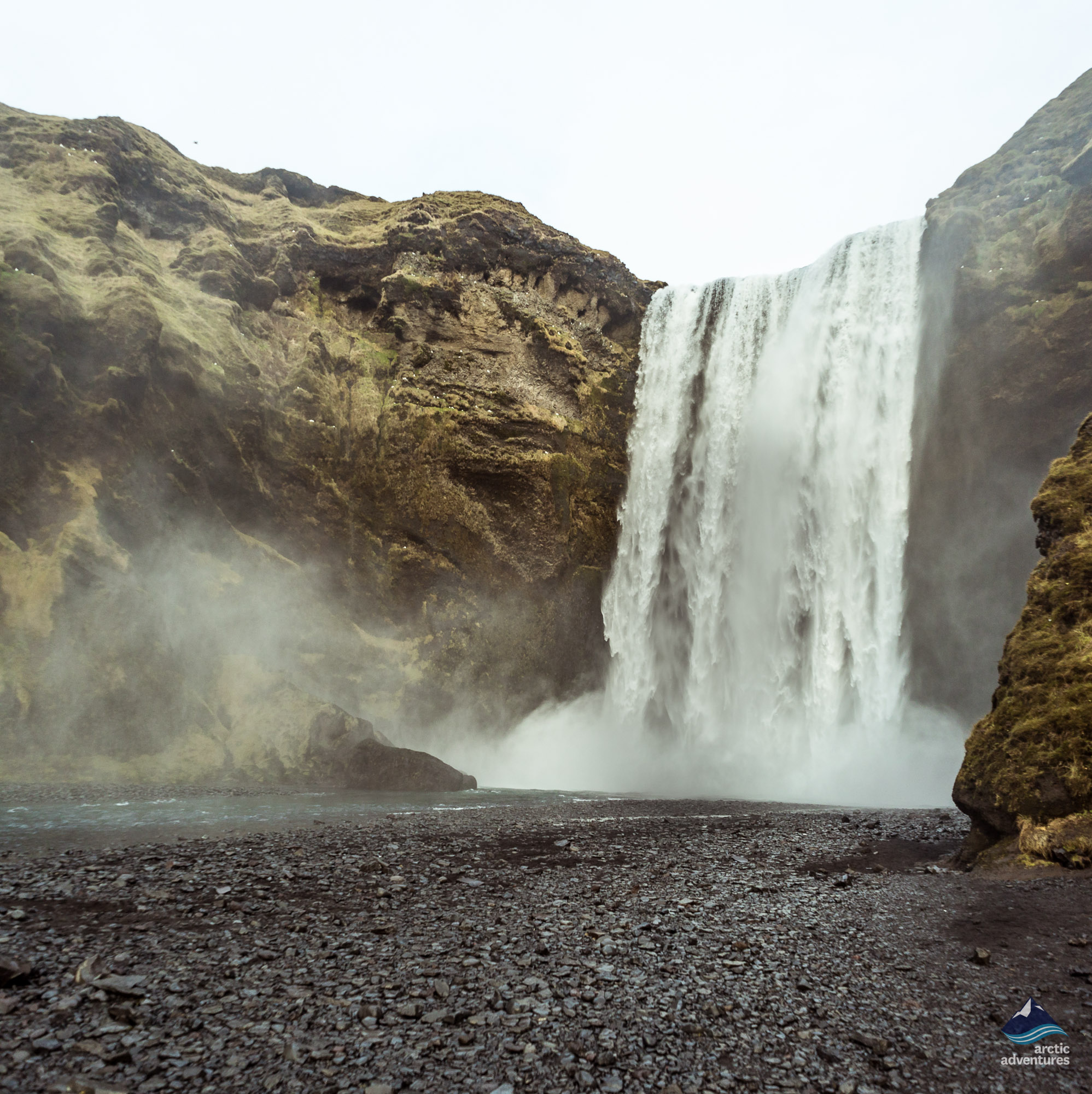Skogafoss-Waterfall-South-Coast-Island