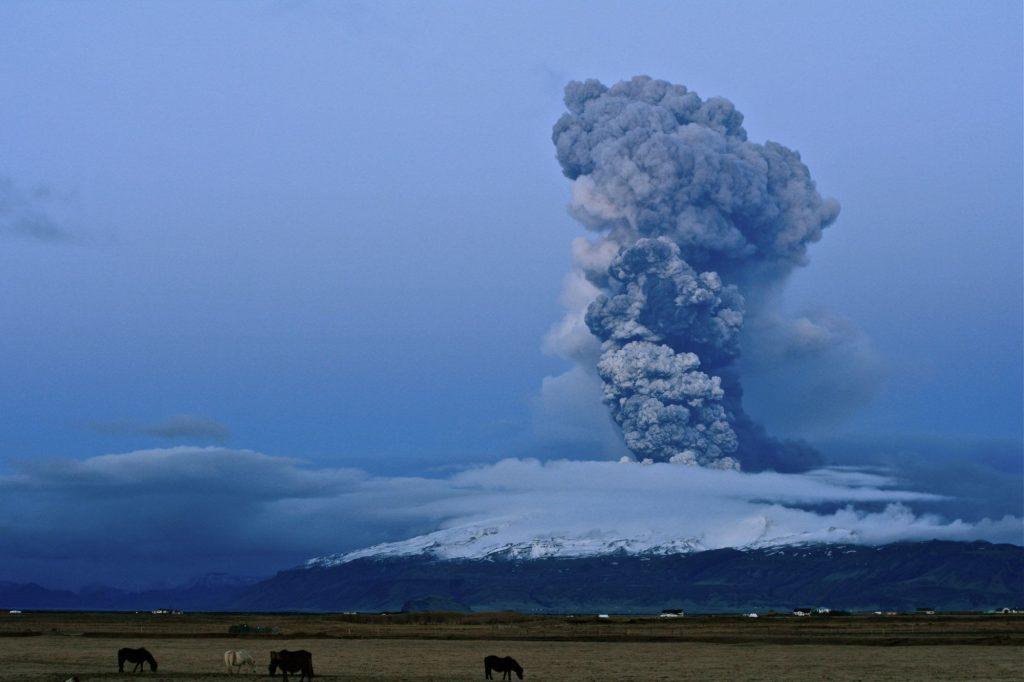 Eyjafjallajökull glacier volcano eruption in 2010