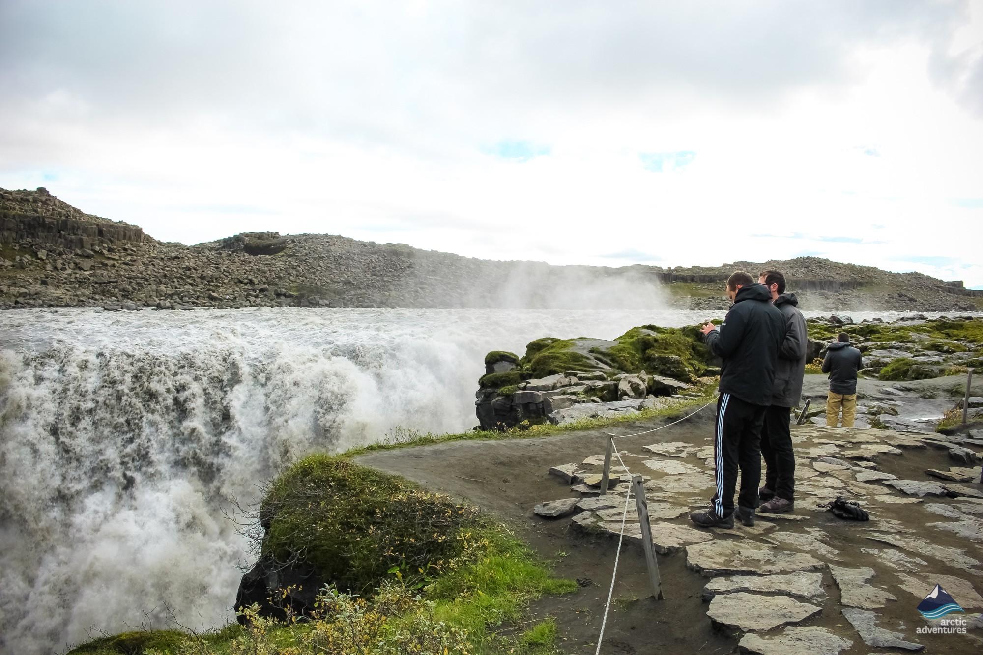Hiking to Dettifoss waterfall