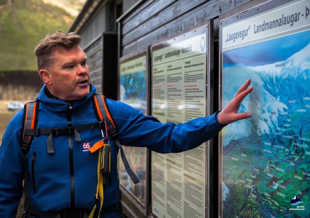 guide explaining the Laugavegur Trail