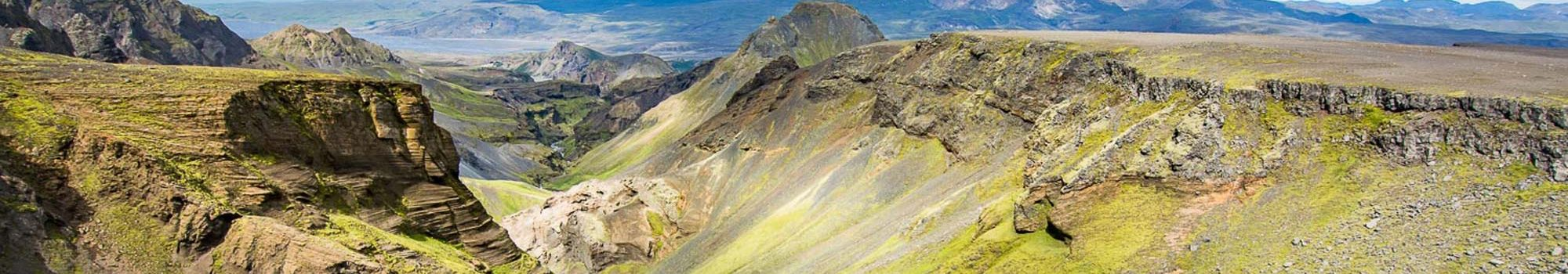 hiking-fimmvorduhals-banner