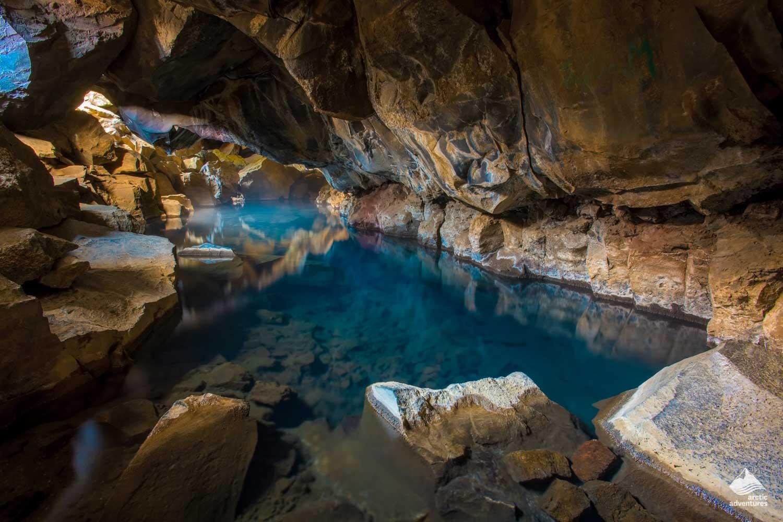 Grjótagjá cave where Game of Thrones filmed